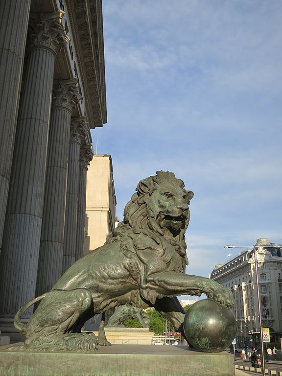 congress of deputies statue