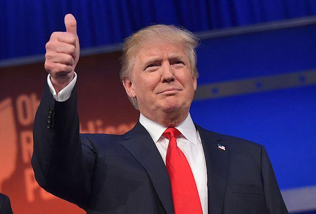 Donald Trump thumps up
