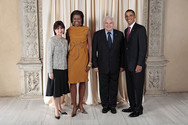 Martinelli with Obamas