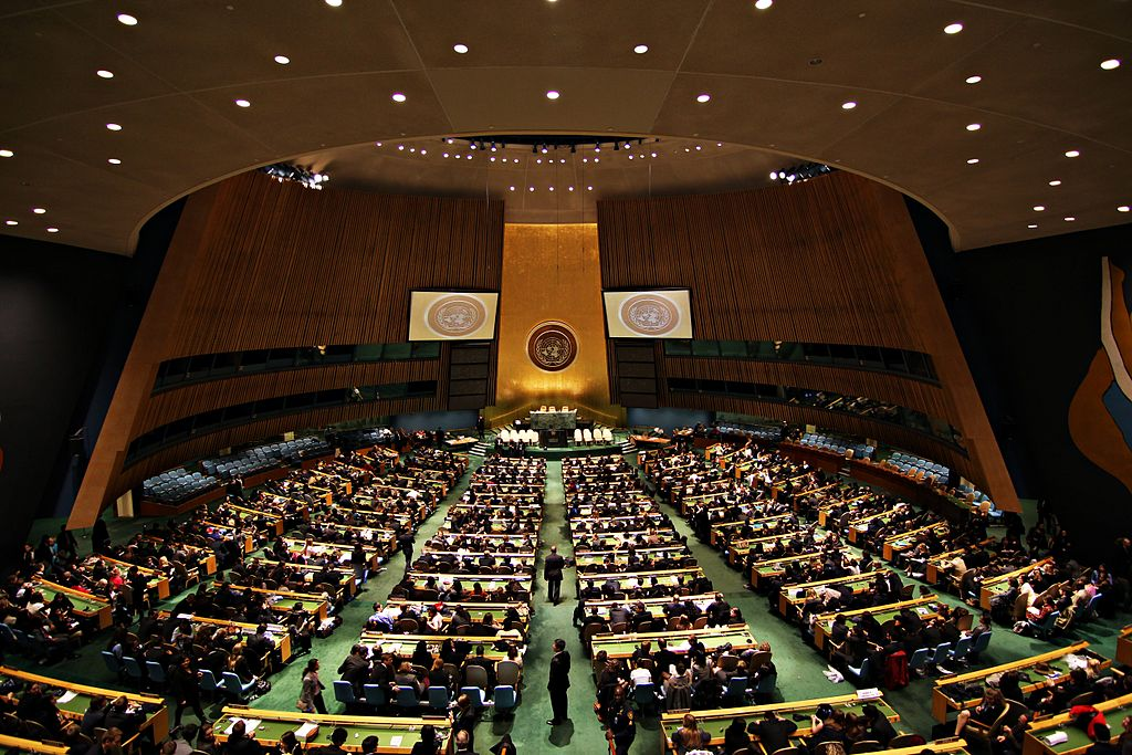 Obama signs law banning entry for UN ambassadors with terrorist affiliations