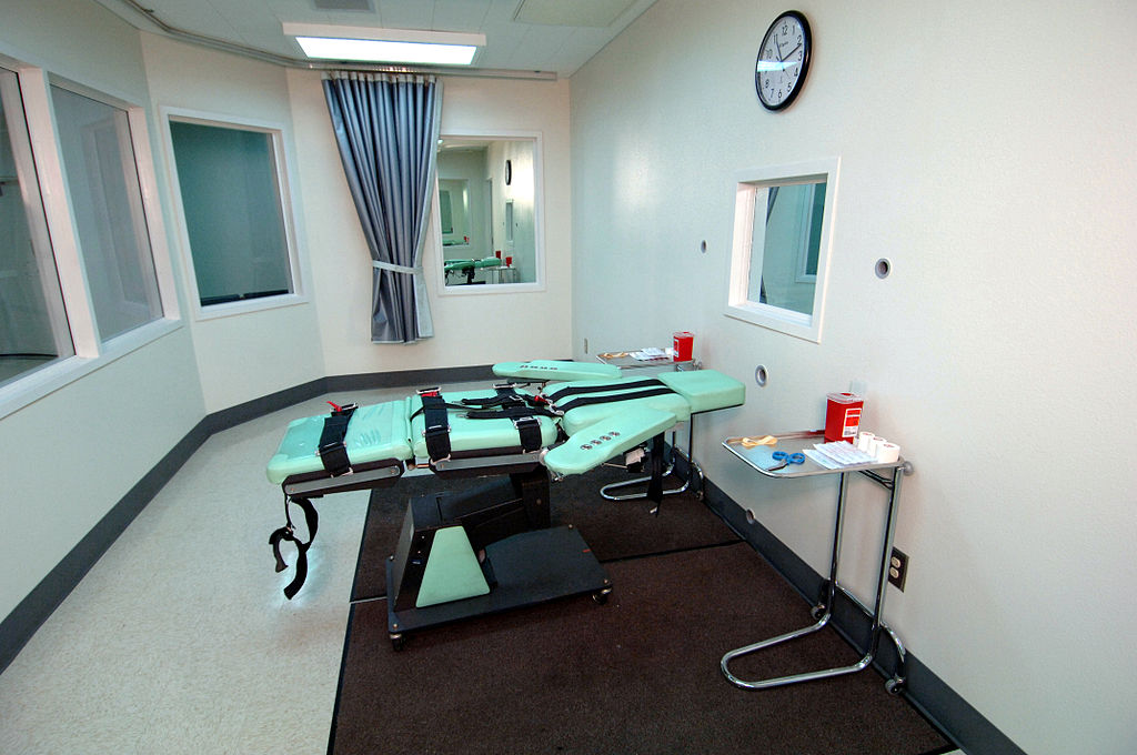 Oklahoma death row inmate dies after botched adminstering of lethal injection