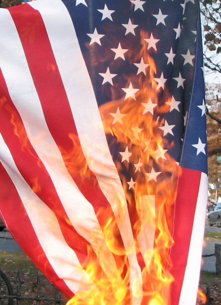 Federal appeals court overturns Missouri ban on flag desecration
