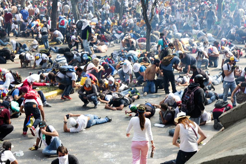 HRW: Venezuela security forces abusing protesters