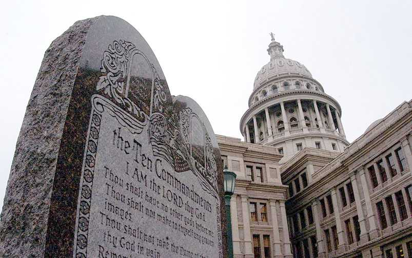 Federal judge rules New Mexico city hall must remove Ten Commandments monument