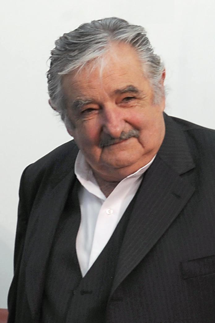 Uruguay begins voting for new president