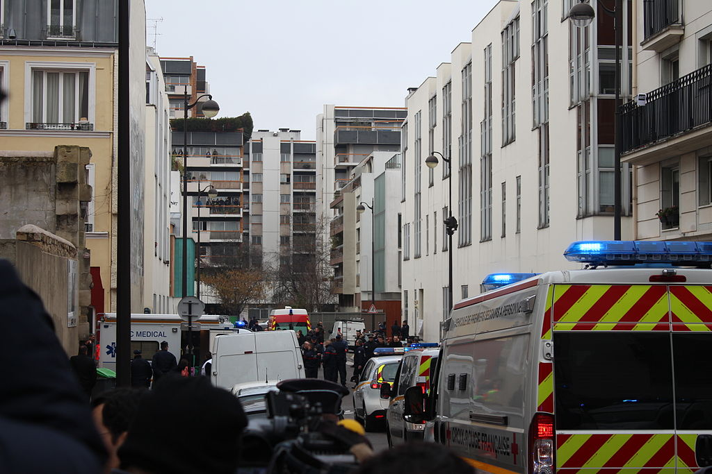 France police arrest 54 people for supporting terrorism