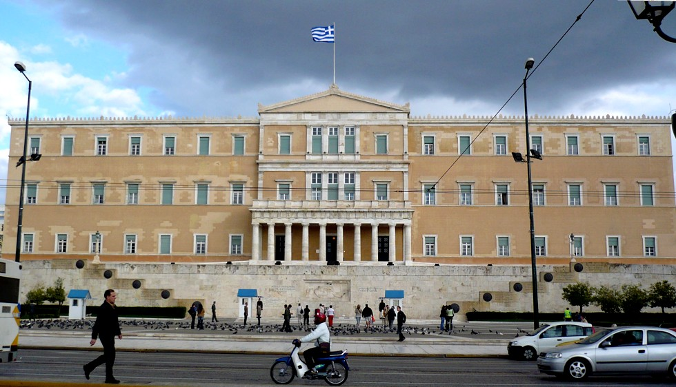 New Greece government promises to extend legal status to same-sex couples