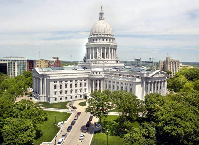 Wisconsin senate approves right-to-work bill