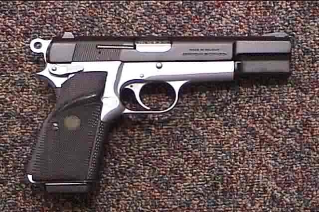 Federal judge strikes down ban on interstate handgun sales