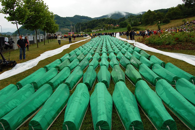 Serbia police arrest 8 suspected of carrying out 1995 Srebrenica massacre
