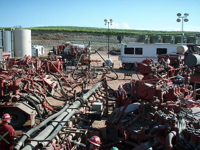 Obama administration publishes federal fracking regulations