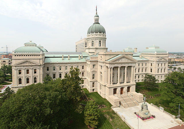 Indiana lawmakers approve 'religious freedom' bill