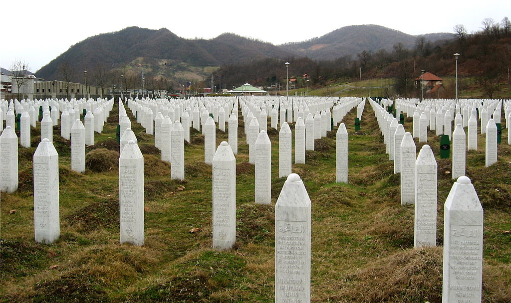 Dutch court decides not to prosecute Srebrenica commander