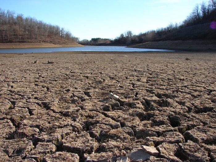 California regulators approve water cutbacks