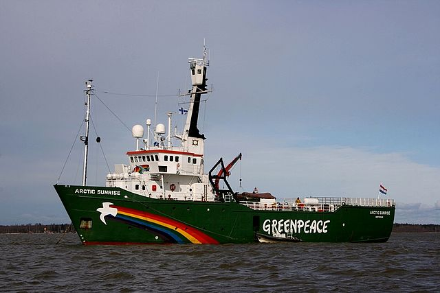 Federal judge finds Greenpeace protesters in contempt