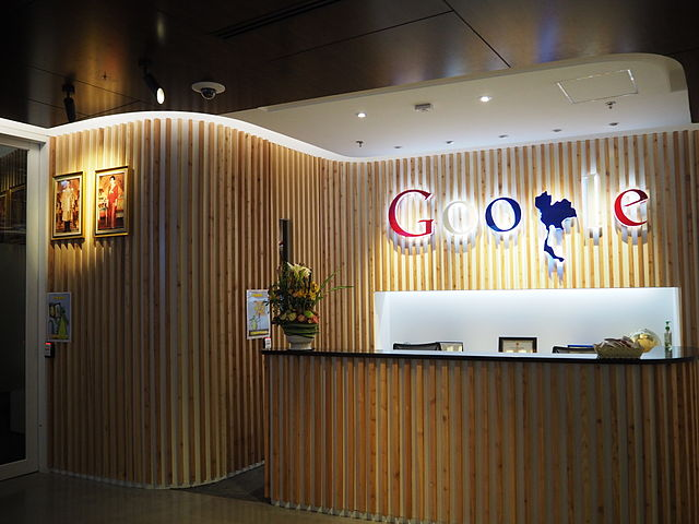 Rights groups call on Google to stop censored search engine in China