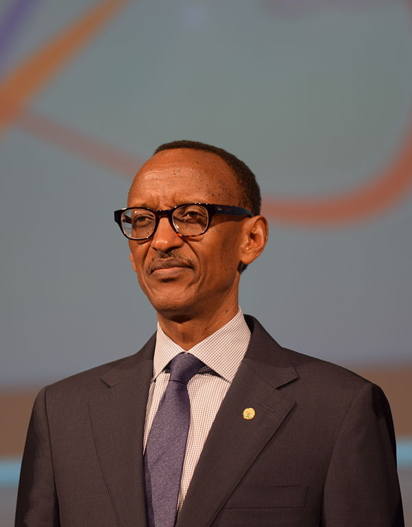 Rwanda lawmakers vote to extend Kagame's term past 2017