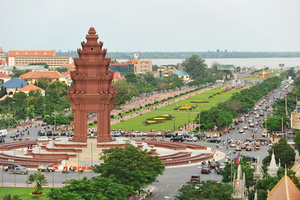 UN rights expert warns Cambodia's political polarization reaching breaking point