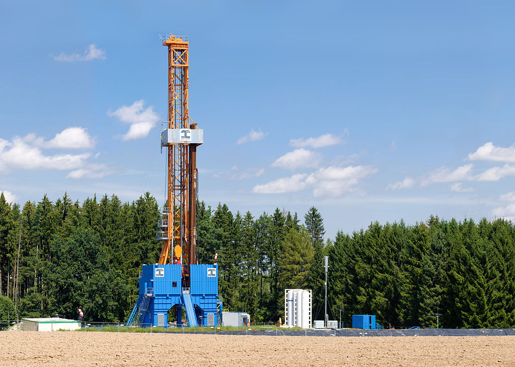Dutch court orders more cuts in gas production