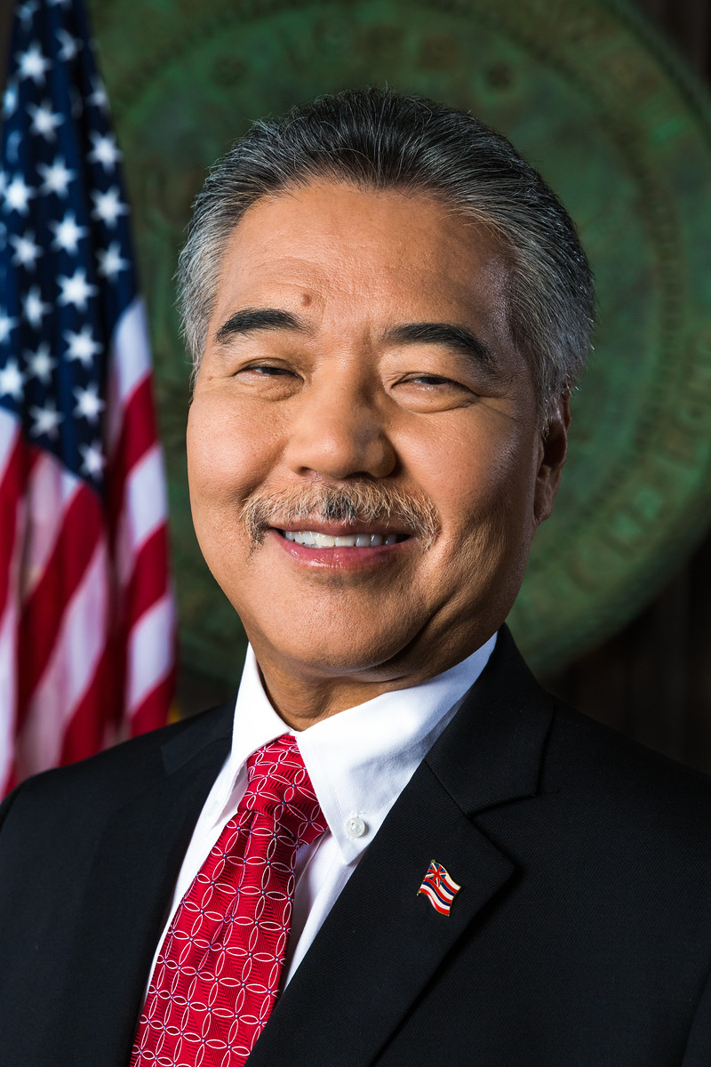 Hawaii governor signs bill to put gun owners on FBI database