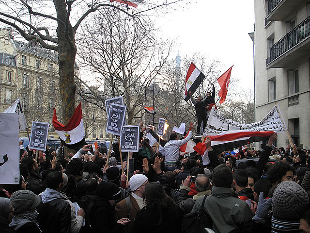 Egypt court begins trial for journalist union leader and members