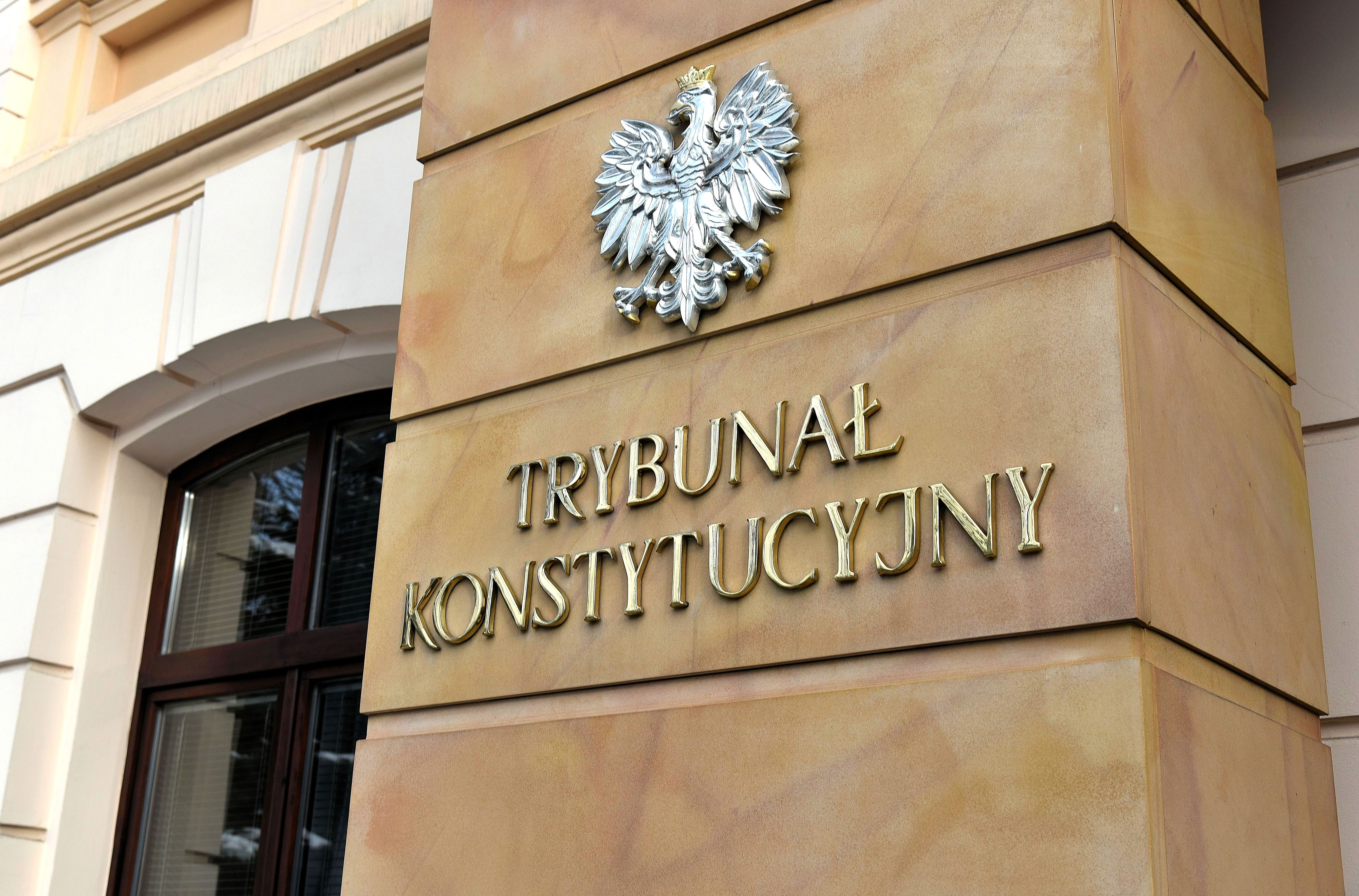 Poland to investigate head of Constitutional Tribunal