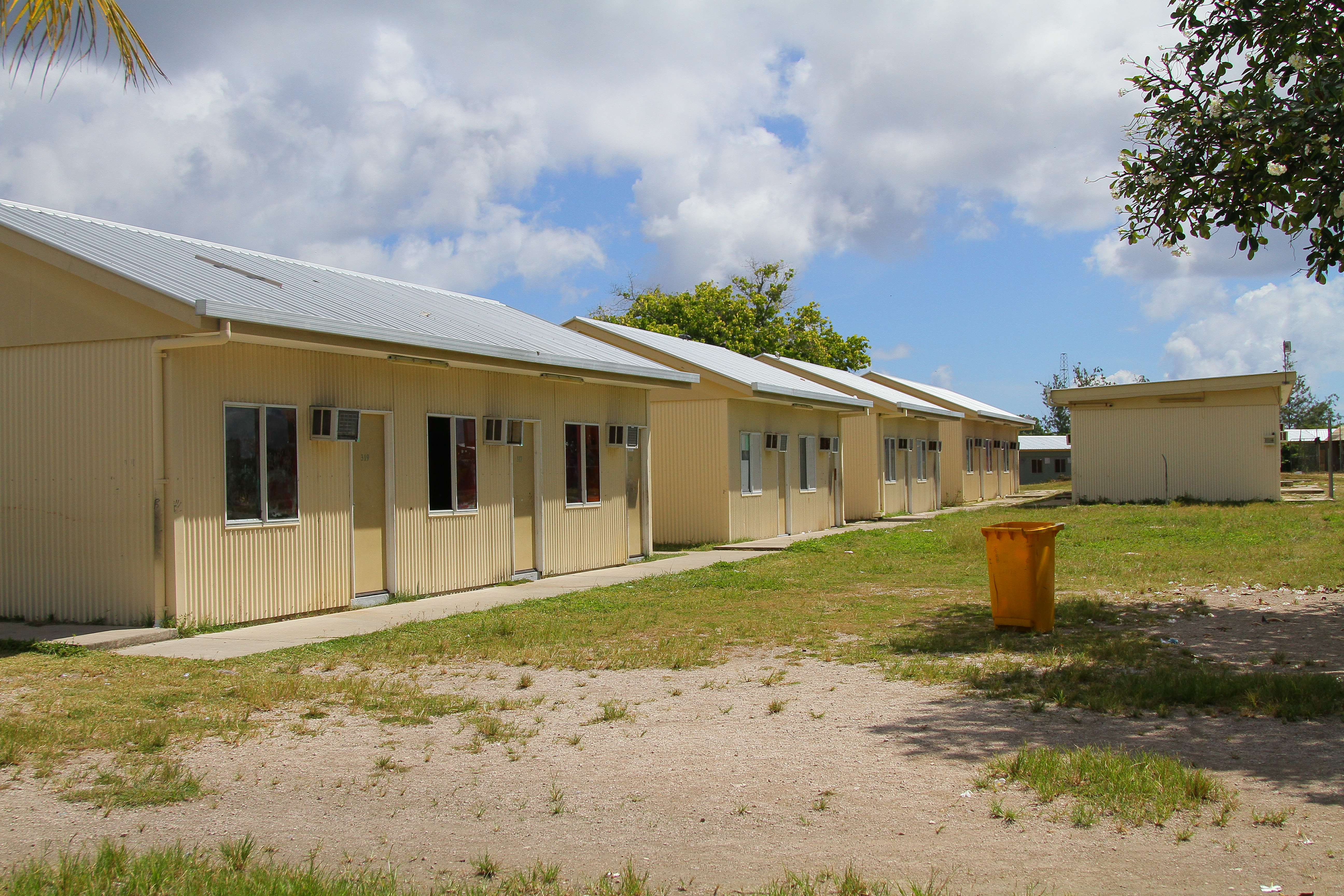 Amnesty: Australia using Nauru as 'open-air prison'