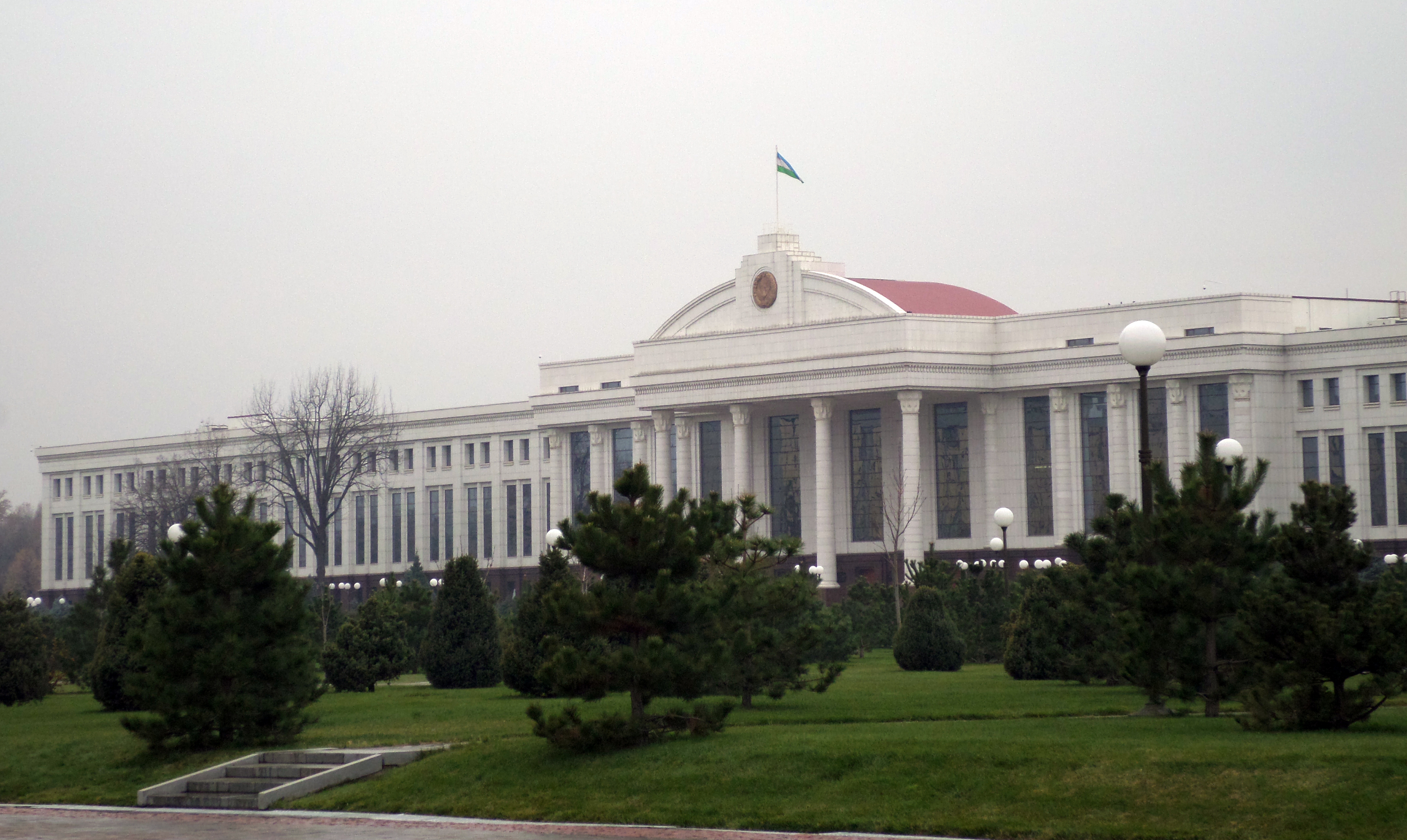 Uzbek Senate approves mass amnesty for prisoners