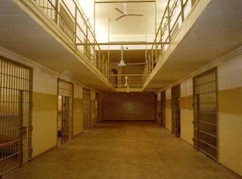 Federal appeals court revives Abu Ghraib torture suit
