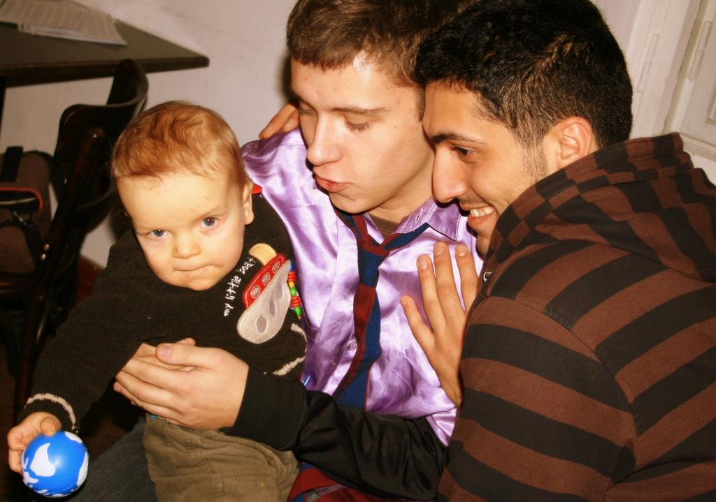 New Ontario law updates parentage laws to recognize same-sex parents