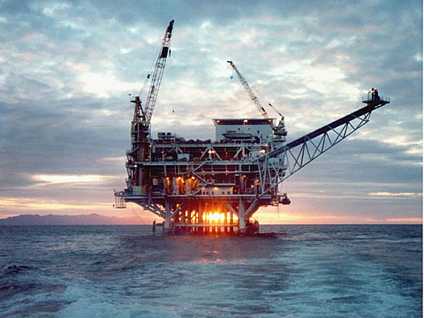 Obama bans offshore drilling in portions of Arctic and Atlantic