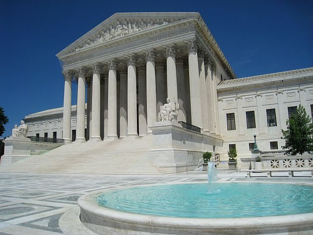 Supreme Court hears argument in racial gerrymandering cases