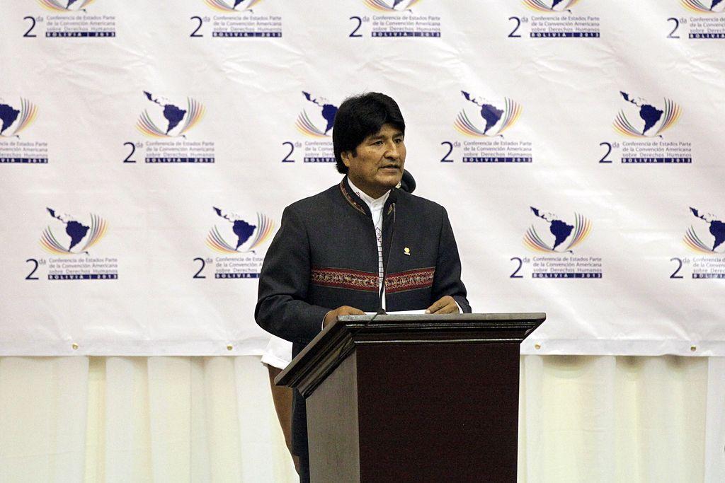 Bolivia president pardons 1,800 prisoners