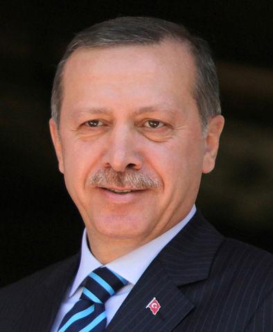 Turkey threatens to scrap Greece migration deal