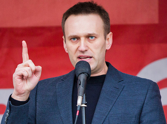 Russian opposition leader Aleksei Navalny detained on arrival to Moscow