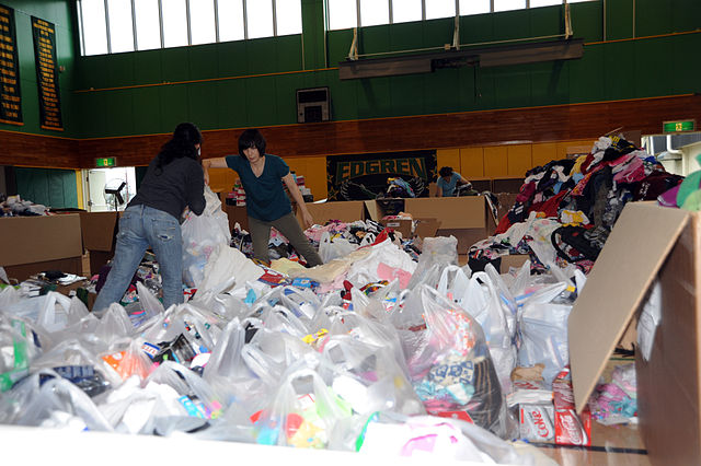 New York governor signs bill blocking plastic bag fees