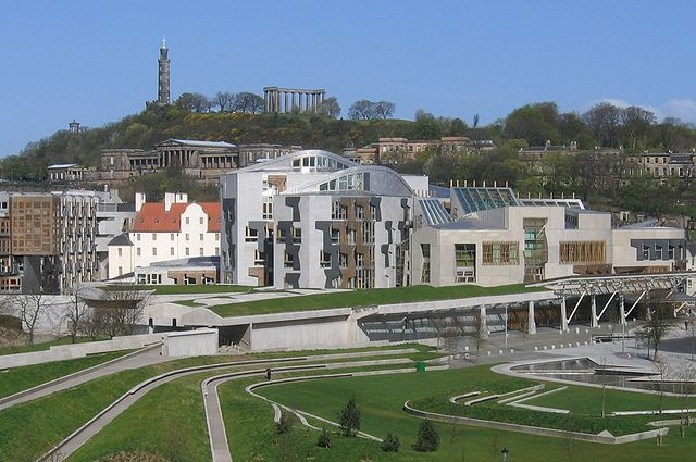 Scotland lawmakers vote to hold independence referendum
