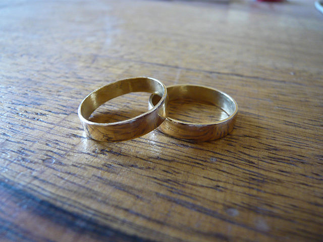 Federal judge blocks Louisiana marriage law