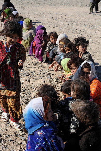 UN refugee agency lauds Pakistan's measures granting legal status to undocumented immigrants