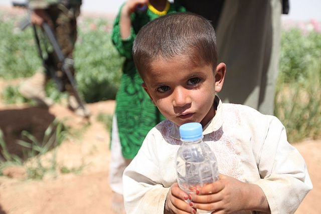 UNICEF: children in war torn countries have right to safe water