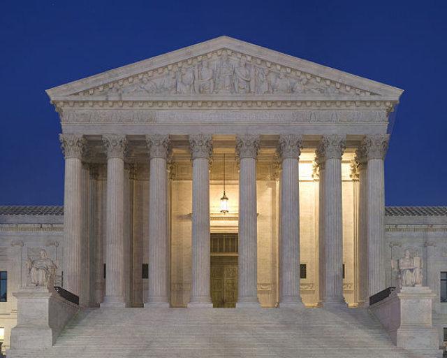 DOJ urges Supreme Court to rule for baker in Colorado same-sex wedding cake case
