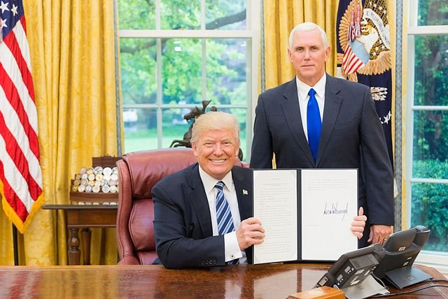 Trump signs executive order resuming refugee admission with heightened vetting procedures