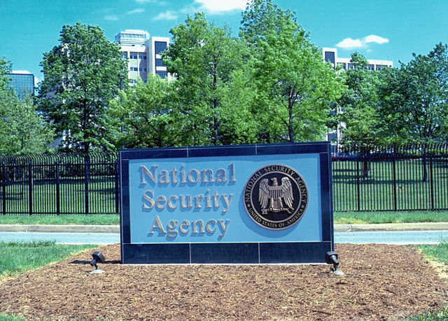 Senators introduce bill to reform warrantless internet surveillance program