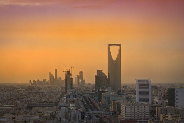 Saudi authorites detain more than 200 in corruption probe