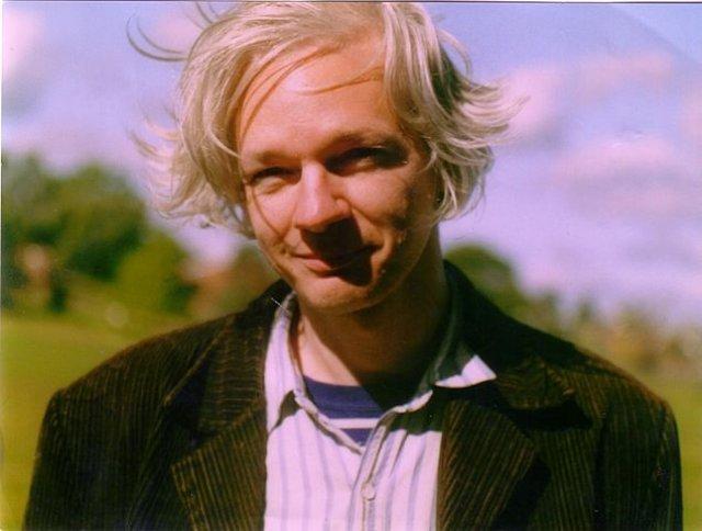 UK judge upholds arrest warrant for Julian Assange