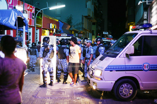 Maldives high court annuls order to release political prisoners hours after justices arrested