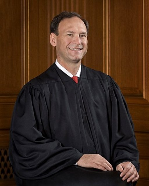 Justice Alito gives speech criticizing decisions regarding religious freedom