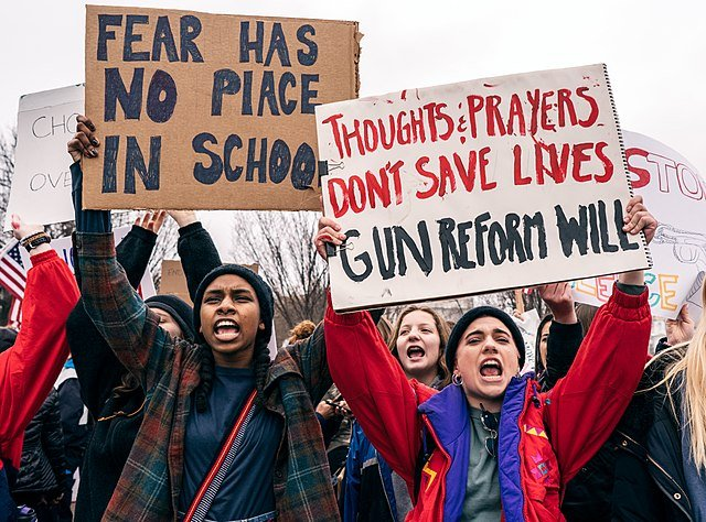 US House approves bill to fund increased security in schools