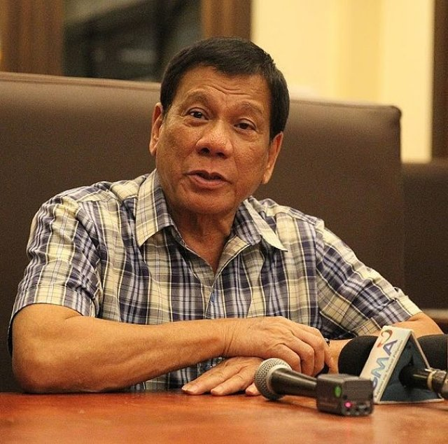 Phillippine government asks Supreme Court to expel chief justice