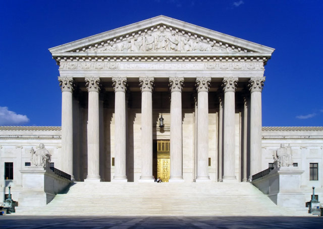 Supreme Court reverses denial of qualified immunity in police shooting case